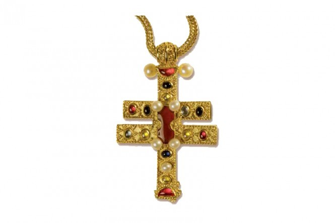 Roskilde Cross Pendant with Chain