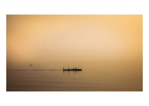 Rowing in the Mist Photo – Art Print